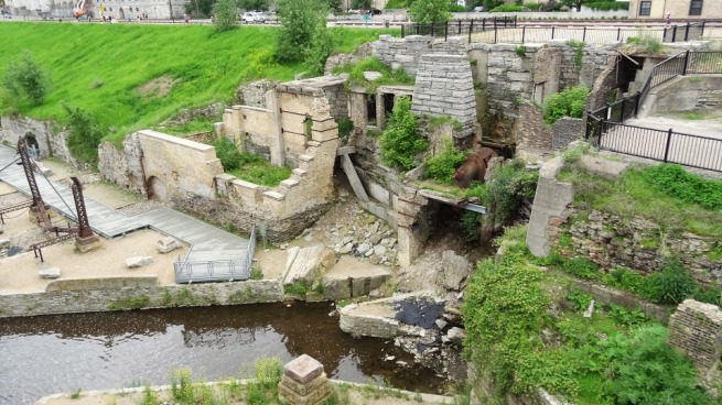 Mills Ruins Park - preserving the historic flour mill ruins along the Upper Mississippi