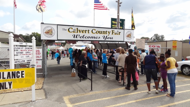 Attendees waiting to enter the fairgrounds