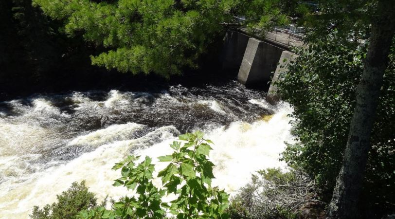 Kettle Falls sits on the easternmost arm of the Kabetogama Peninsula. Canada is literally on the other side of the water. In fact, from this spot, Canadian land sits directly north, east and south of you.